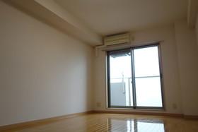https://image.rentersnet.jp/6c46c0c4-9bfa-4279-b1c1-e3bc03afa99b_property_picture_1992_large.jpg_cap_居室