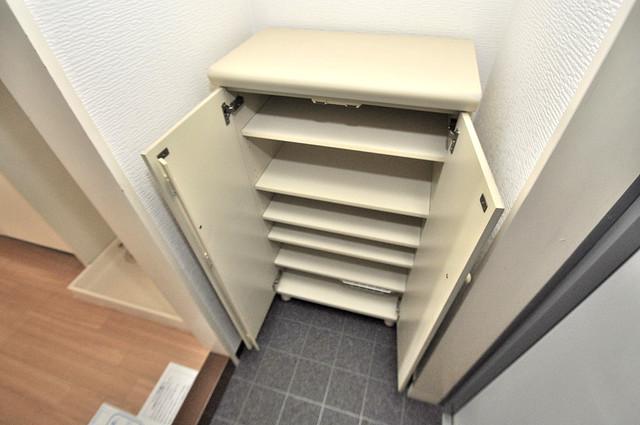 オークハイツ ゆったりとした玄関。もちろんシューズボックスもあります。