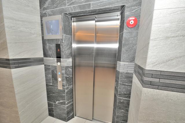 エスリード大阪上本町ブランシュ 嬉しい事にエレベーターがあります。重い荷物を持っていても安心