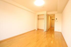 https://image.rentersnet.jp/6c836105-656b-42f0-9a00-d4b06a972ea2_property_picture_1992_large.jpg_cap_居室