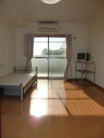 https://image.rentersnet.jp/6c86a93c-6cb4-413d-bb07-eb4036c25511_property_picture_957_large.jpg_cap_居室