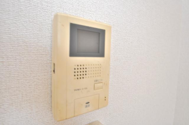 フォンテーヌ TVモニターホンは必須ですね。扉は誰か確認してから開けて下さいね