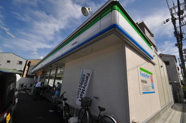 ニューハイツアサヒ ファミリーマート小路駅東店