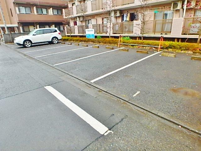 ポナール2駐車場