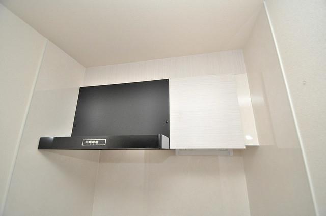 HERITAGE高井田 キッチン棚も付いていて食器収納も困りませんね。