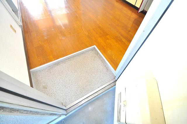 TSUJIHANAビルディング 玄関を開けると解放感のある空間がひろがりますよ。