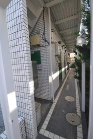 中野駅 徒歩24分エントランス
