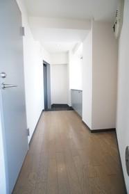 ルーセントアネックス 406号室