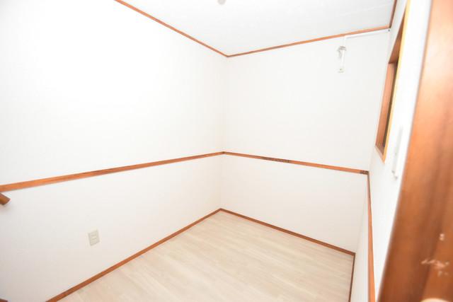 長堂2-16-8 貸家 玄関横のちょっとした空間です。