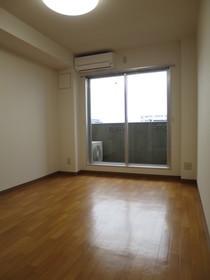 https://image.rentersnet.jp/6d9d4a3b-40c7-485a-92e7-b56b4f048fae_property_picture_958_large.jpg_cap_居室