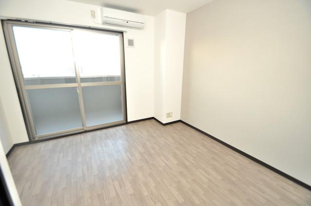 みおつくし布施 明るいお部屋はゆったりとしていて、心地よい空間です