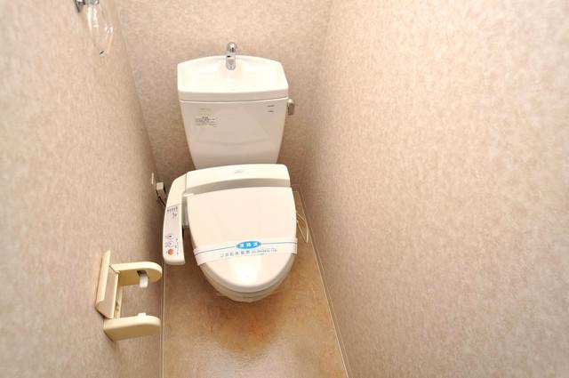 CASSIA高井田NorthCourt 清潔感のある爽やかなトイレ。誰もがリラックスできる空間です。