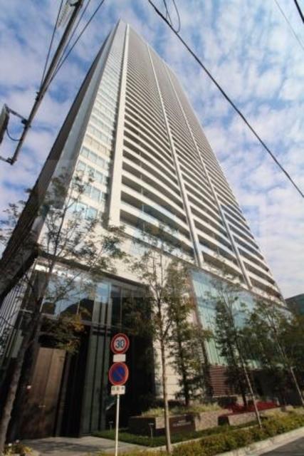 大阪ひびきの街 ザ・サンクタスタワーの外観