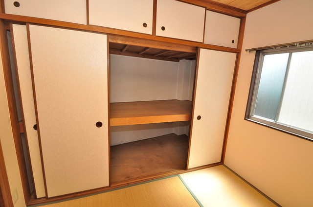 坂下マンション コンパクトながら収納スペースもちゃんとありますよ。