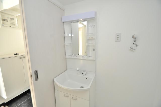 JPレジデンス大阪城東Ⅱ 豪華な洗面台はもちろんシャンプードレッサー完備です。