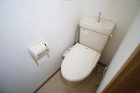 https://image.rentersnet.jp/6e57b792-e8d9-4c69-8cb0-684383d6ba82_property_picture_956_large.jpg_cap_トイレ