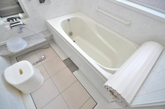 カーサ布施Ⅱ 足が伸ばせる広い浴槽はナイスですね!