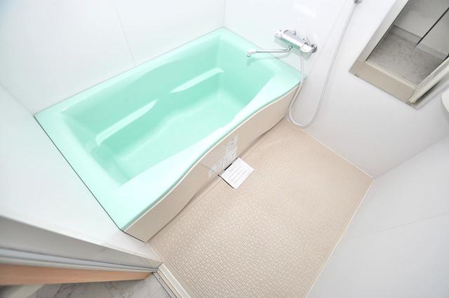 Celeb西上小阪 ゆったりサイズのお風呂は落ちつける癒しの空間です。