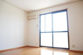 https://image.rentersnet.jp/6f10a41c-c141-4316-b87d-98af863f0dc3_property_picture_2419_large.jpg_cap_居室