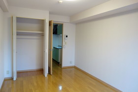 https://image.rentersnet.jp/6f483281-f4c7-41cc-89a7-f625cf17f641_property_picture_1992_large.jpg_cap_居室