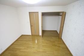 https://image.rentersnet.jp/6f5c1ae2-e2d4-42b1-96b5-e17057df752b_property_picture_2988_large.jpg_cap_居室