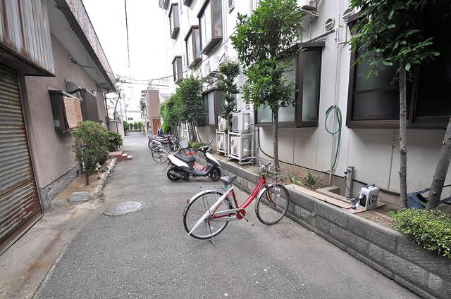 ロイヤル俊徳Ⅱ 敷地内には専用の駐輪スペースもあります。