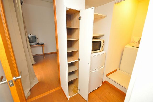レオパレスフセアジロミナミ 各所に収納があるので、お部屋がすっきり片付きますね。