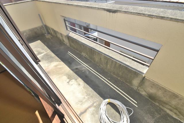 柏田東町2-37貸家 ゆとりのある広さが魅力のバルコニー。