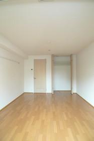 エルパレス 102号室