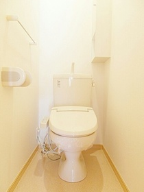 https://image.rentersnet.jp/6ff1904e-b6df-4f63-bc85-0e3ab4658f06_property_picture_3520_large.jpg_cap_トイレ