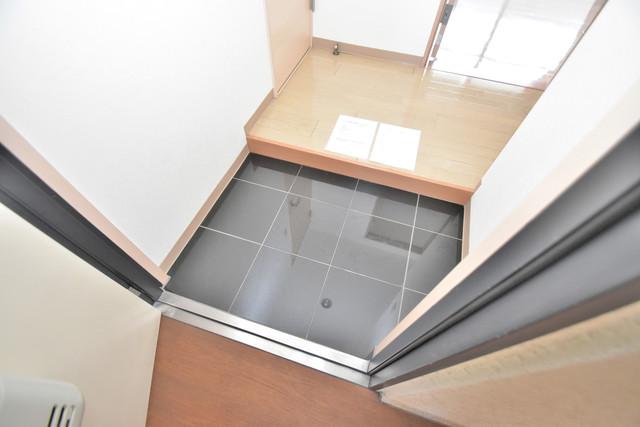 カインド高井田 素敵な玄関は毎朝あなたを元気に送りだしてくれますよ。