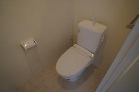 多機能便座付きトイレ