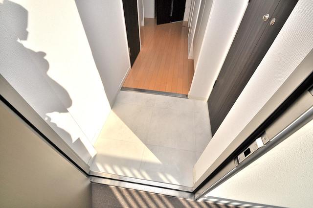 CASSIA高井田NorthCourt 玄関から部屋が見えないので急な来客でも安心です。