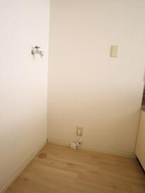 https://image.rentersnet.jp/705cc7ab-bf44-485c-90ca-f5031f160861_property_picture_955_large.jpg_cap_室内洗濯機置き場