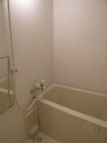 ホワイトプラナス 201号室