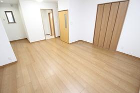 https://image.rentersnet.jp/708d2b15-e4e0-4afa-8b03-e76db4323d63_property_picture_958_large.jpg_cap_居室
