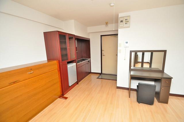 グローリア高井田 明るいお部屋は風通しも良く、心地よい気分になります。