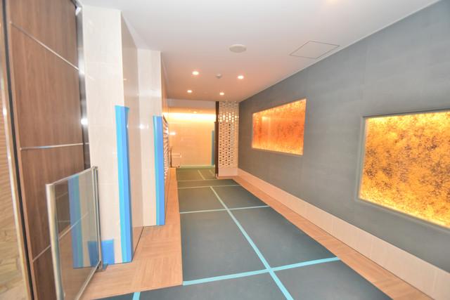 アーバネックス真田山 エレベーターホールもオシャレで、綺麗に片づけられています。