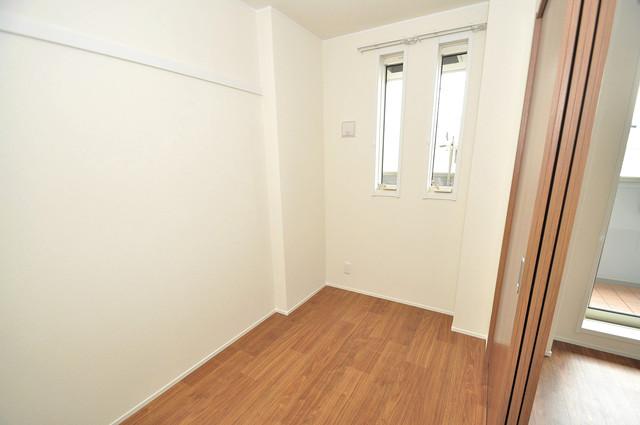 ma.maison(マ.メゾン) 朝には心地よい光が差し込む、このお部屋でお休みください。