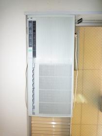 https://image.rentersnet.jp/71496ff6-6d10-45ab-89e9-0cd6a9caf201_property_picture_955_large.jpg_cap_ウインドエアコン付き