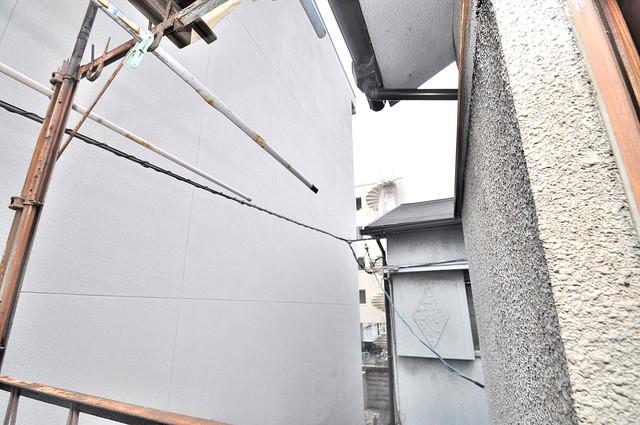 宝持4丁目貸家 この見晴らしが日当たりのイイお部屋を作ってます。