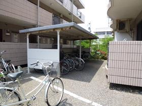 https://image.rentersnet.jp/71996221-1c05-4d89-9681-e73c606e3fdb_property_picture_1992_large.jpg_cap_駐輪場