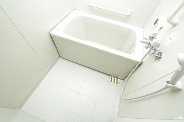 ソレアード三貴 広めのお風呂は一日の疲れを癒してくれます。