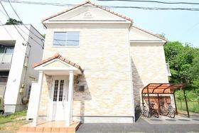 https://image.rentersnet.jp/71d39f4d-b8cd-46de-8cb2-90997613f92e_property_picture_2988_large.jpg_cap_外観
