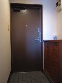 https://image.rentersnet.jp/71ee0f99-9d9c-4d5c-95a1-6255ed3556dd_property_picture_961_large.jpg_cap_玄関