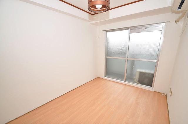 メゾンドールコトブキⅡ 朝には心地よい光が差し込む、このお部屋でお休みください。