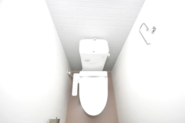 セイワパレス玉造上町台 清潔感のある爽やかなトイレ。誰もがリラックスできる空間です。