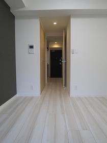https://image.rentersnet.jp/720bf5ae-bdf9-40e6-8a84-0c7f43f18e96_property_picture_2987_large.jpg_cap_居室