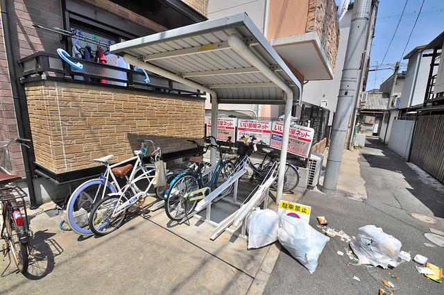 コンフォート・R 屋内にある駐輪場は大切な自転車を雨から守ってくれます。