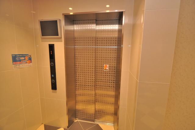 M'プラザ小阪駅前 嬉しい事にエレベーターがあります。重い荷物を持っていても安心
